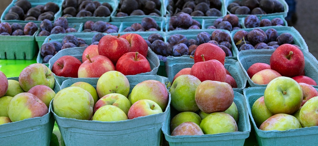 Tantalizing fresh fruit on offer at Western Canada's largest outdoor farmer's market
