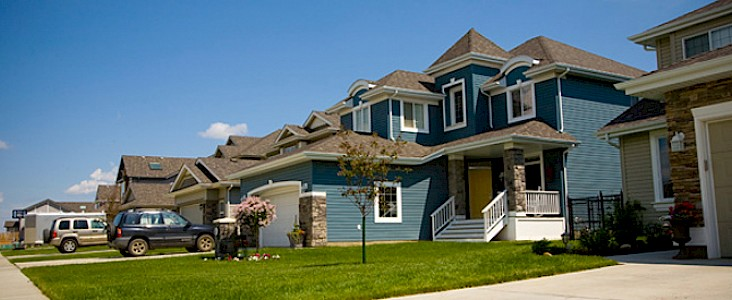 An image of newly constructed homes in a St. Albert neighbourhood